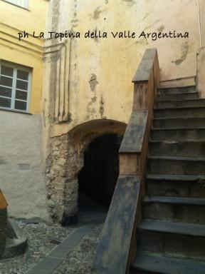 Taggia - Porta Barbarasa2